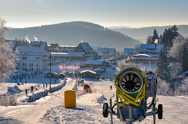 Ski, Snowboard, Schlitten - Verleih Winterberg